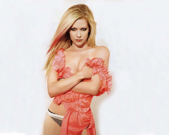 Avril Lavigne sexy in lingerie fashion