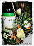 blomdeko på vinflaska