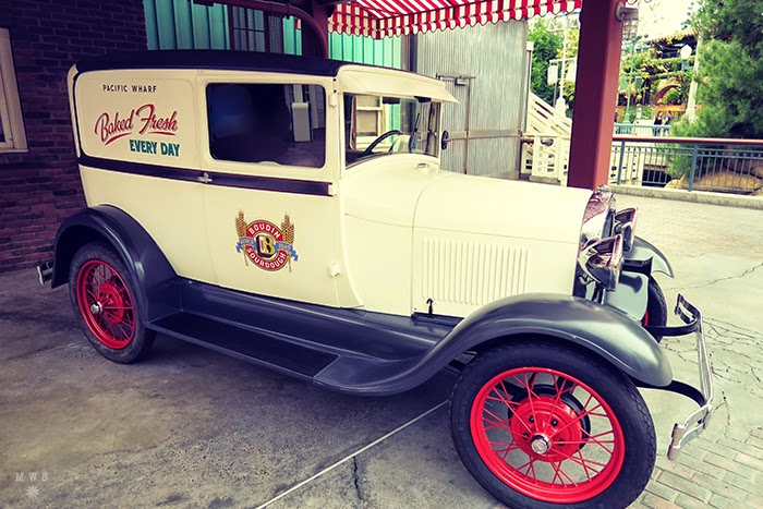 Vehicle outside Boudin Bakery in DCA