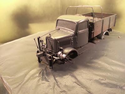 Mercedes L3000 with snow plow: Part 1. 20131227_155809