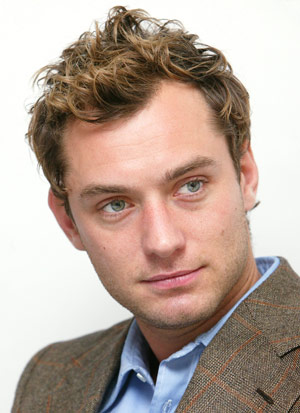 San Fransisco Mens Hairstyles: Jude Law Fauxhawk Wavy Hairstyles