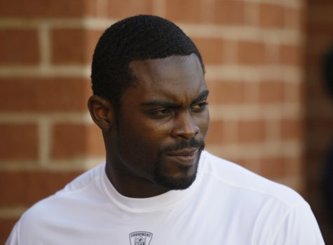 100 Sports Michael Vick Out After Taking A Hit Against