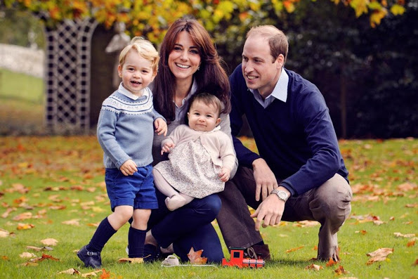 Duke And Duchess Of Cambridge Released A Christmas Portrait