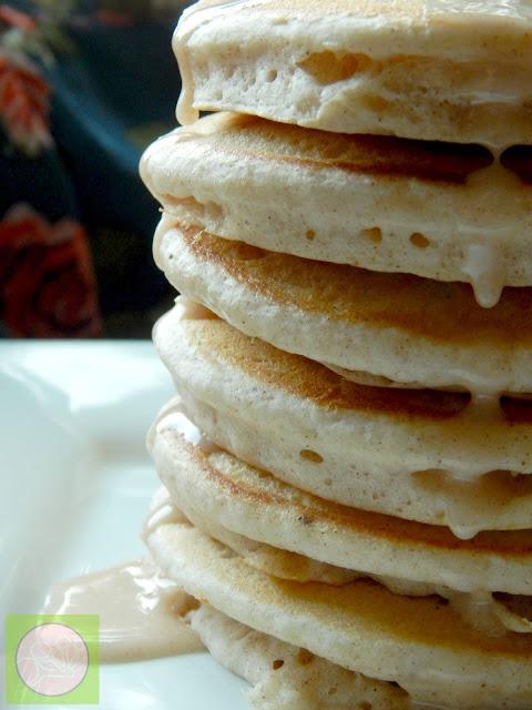 cinnamon roll pancakes (sweetandsavoryfood.com)