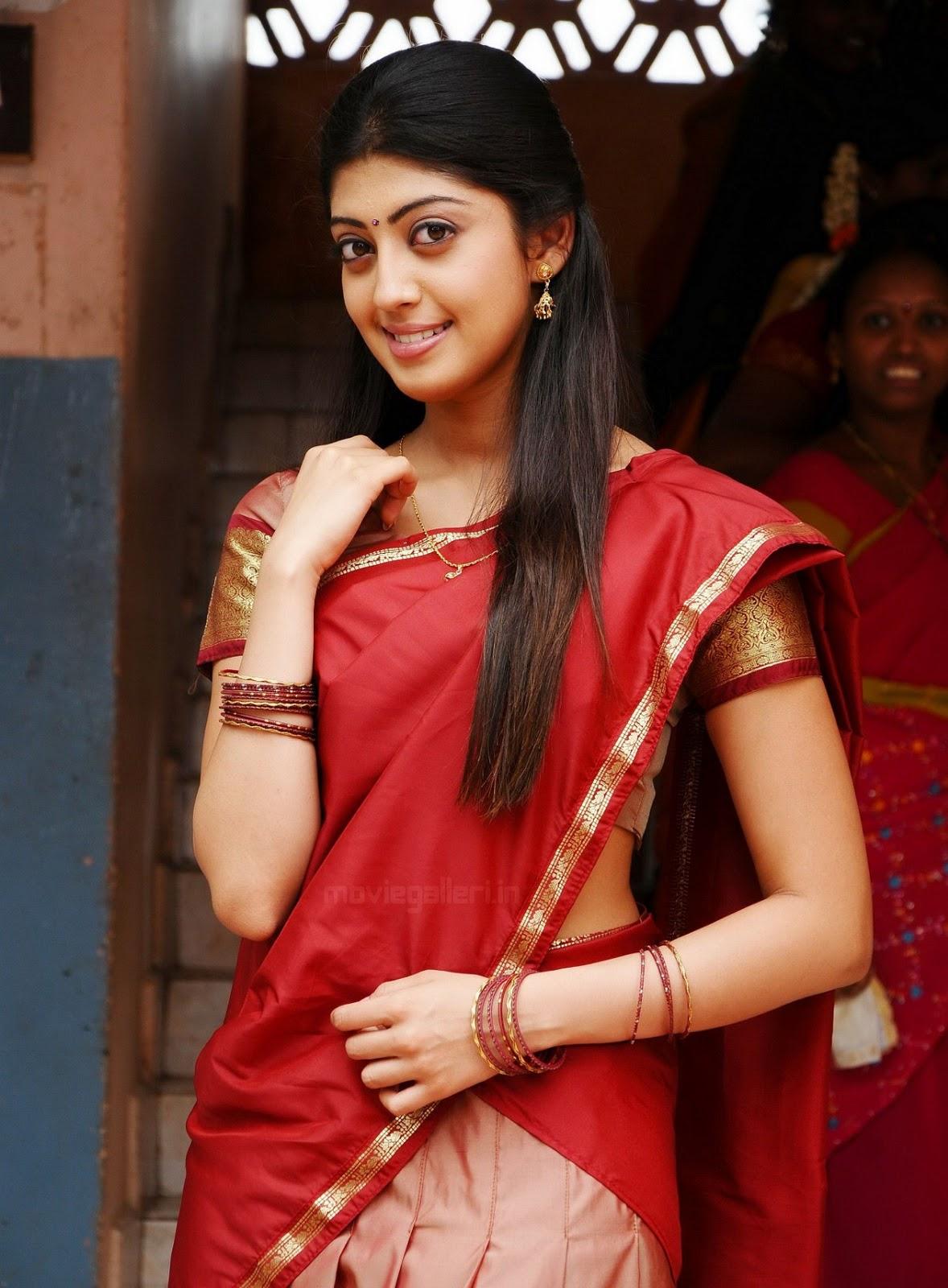 http://2.bp.blogspot.com/-EIrCyfvHEaQ/TiUoUAUX1xI/AAAAAAAAAGI/KSP4yXYEN9A/s1600/actress_pranitha_red_saree_stills_03.jpg
