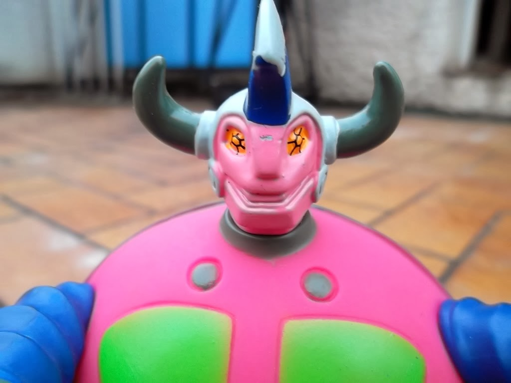 Le golgoth Game Game de Osaka Toys 006