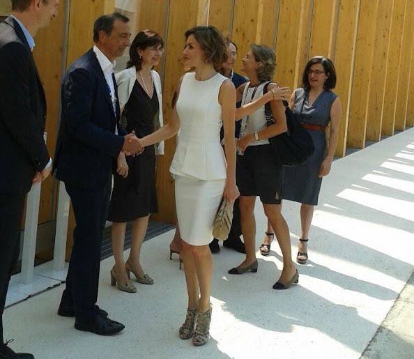 Queen Letizia of Spain attends to visit the Spanish Pavilion at the Expo 2015