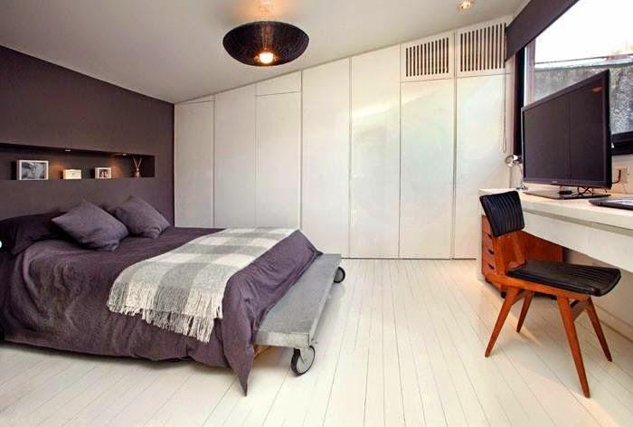 Baño Para Dormitorio: de duchadores, muy moderna, con mampara de vidrio transparente, y un