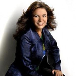 Alda Celia fecha contrato com a Som Livre
