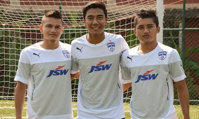 Bengaluru FC sign Nishu Kumar, Daniel Lalhlimpuia and Malsawmzuala