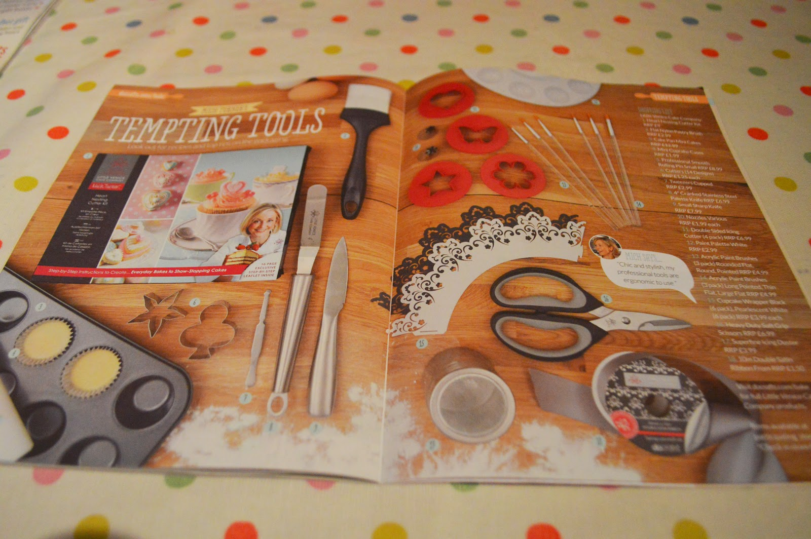 docrafts Creativity Magazine Review Christmas Bauble