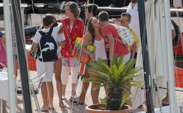 Queen Sofia, Pablo Nicolas, Irene, Miguel, Victoria Federica and Juan Valentin