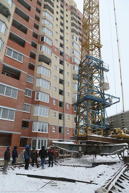 В Сергиевом Посаде идёт ликвидация ЧП с башенным краном