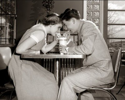 Dating in the 1950 s compared to today
