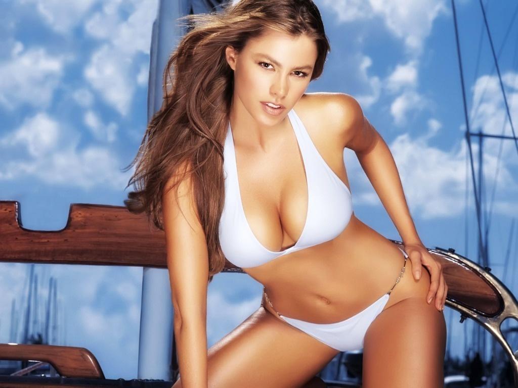 http://2.bp.blogspot.com/-EKGIH-zAgks/ThX2Bt93EOI/AAAAAAAAH4Q/kE1OCP439OI/s1600/bikini%252Bgirls%252Bphoto%252Bshoot.jpg