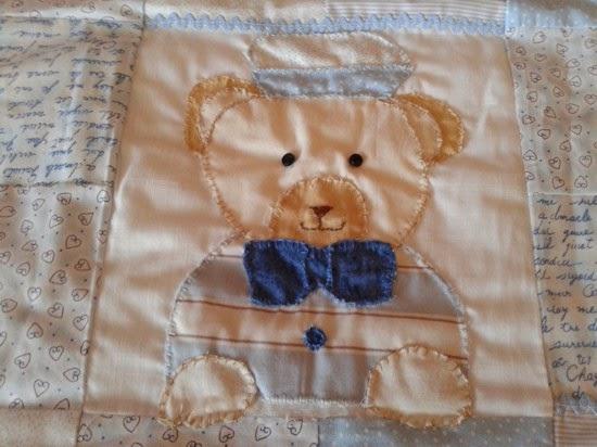 oso realizado con a mano para manta de pachwork