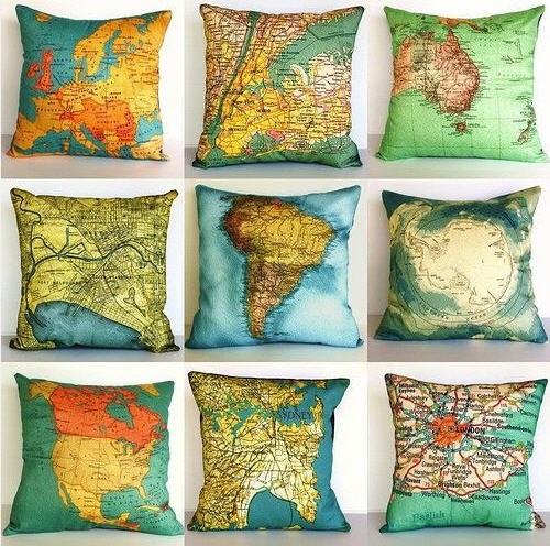 landkartenblog jeden tag sanft einschlafen die idee landkarten auf kissen drucken. Black Bedroom Furniture Sets. Home Design Ideas