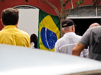 Na Feira de Antiguidades do Bexiga (São Paulo), by Guillermo Aldaya / PhotoConversa