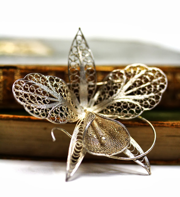 Early 1900s filigree metal orchid brooch