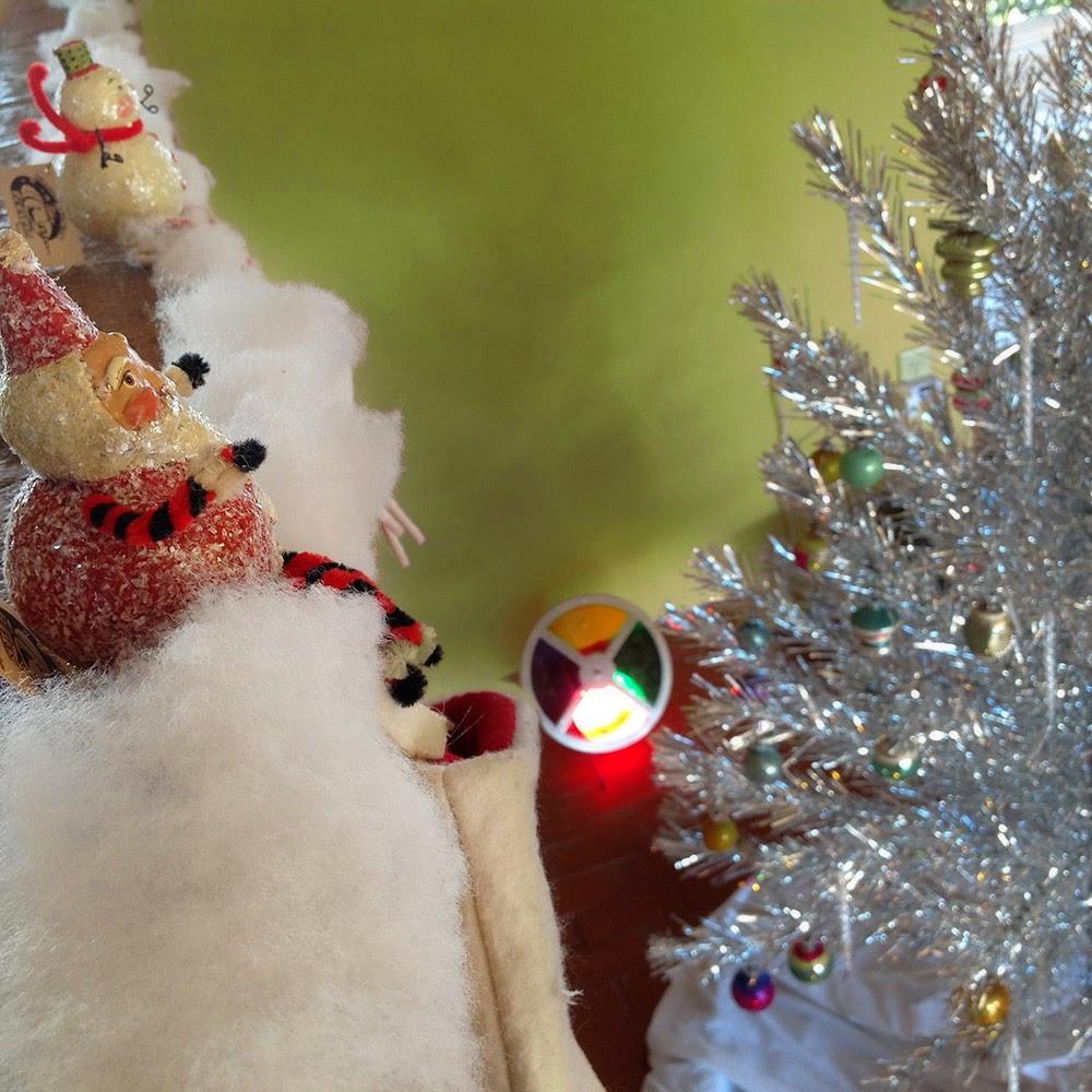 Bindlegrim (Holiday Artist and Author): Big Shiny Aluminum Tree