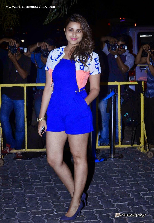 parineeti chopra shorts blue