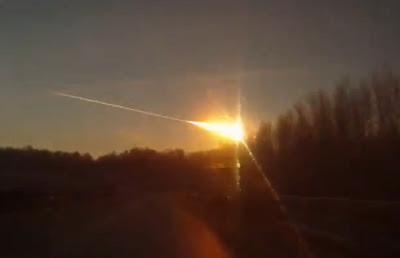 Foto Meteor Jatuh di Rusia
