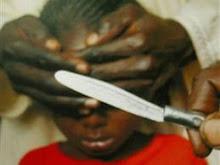 EN CONTRA DE L A MUTACIÓN GENITAL FEMENINA