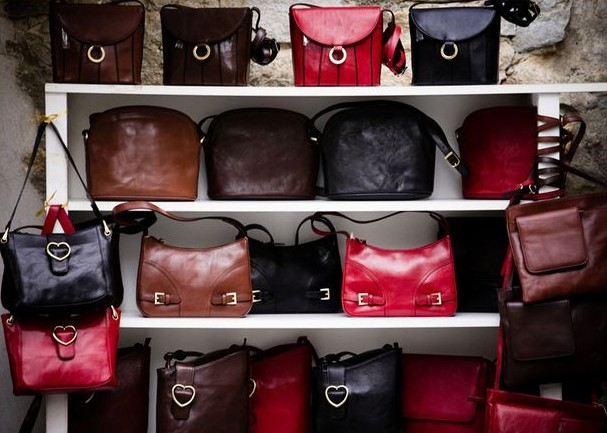 discount designer handbags jeao  If buying an authentic designer handbag is out in the question, take into  account purchasing a cheap replica designer handbags Replicas are extra  possibly
