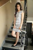 Kriti sanon new glamorous photos-thumbnail-7