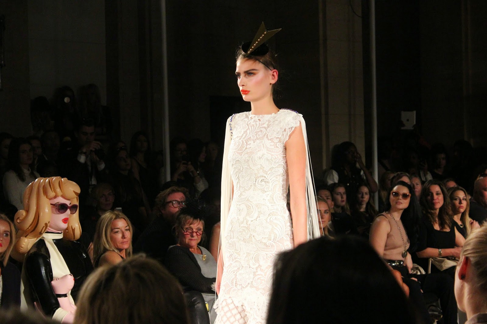 london-fashion-week-2014-lfw-spring-summer-2015-blogger-fashion-freemasons hall-fashion-scout-ashley-isham-catwalk-models-dress
