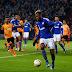 Schalke vence e avança, enquanto Augsburg perde em casa e se complica