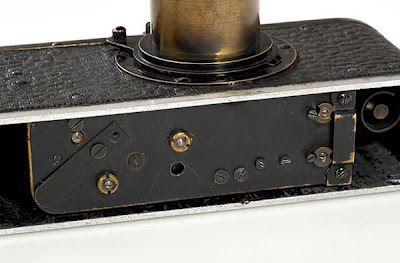 http://2.bp.blogspot.com/-ELz5L0ciLpw/Te2qJbh_VfI/AAAAAAAAHB4/C86CKSEd9Rs/s400/Leica-0-Series-Camera-1923-2.jpg
