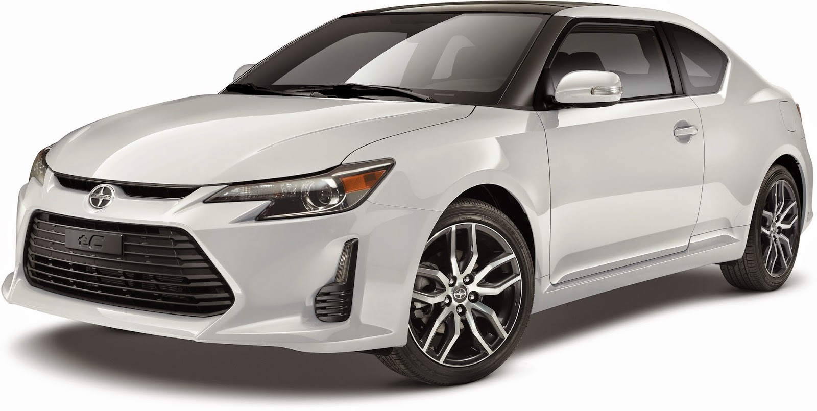 Front 3/4 view of the 2015 Scion tC