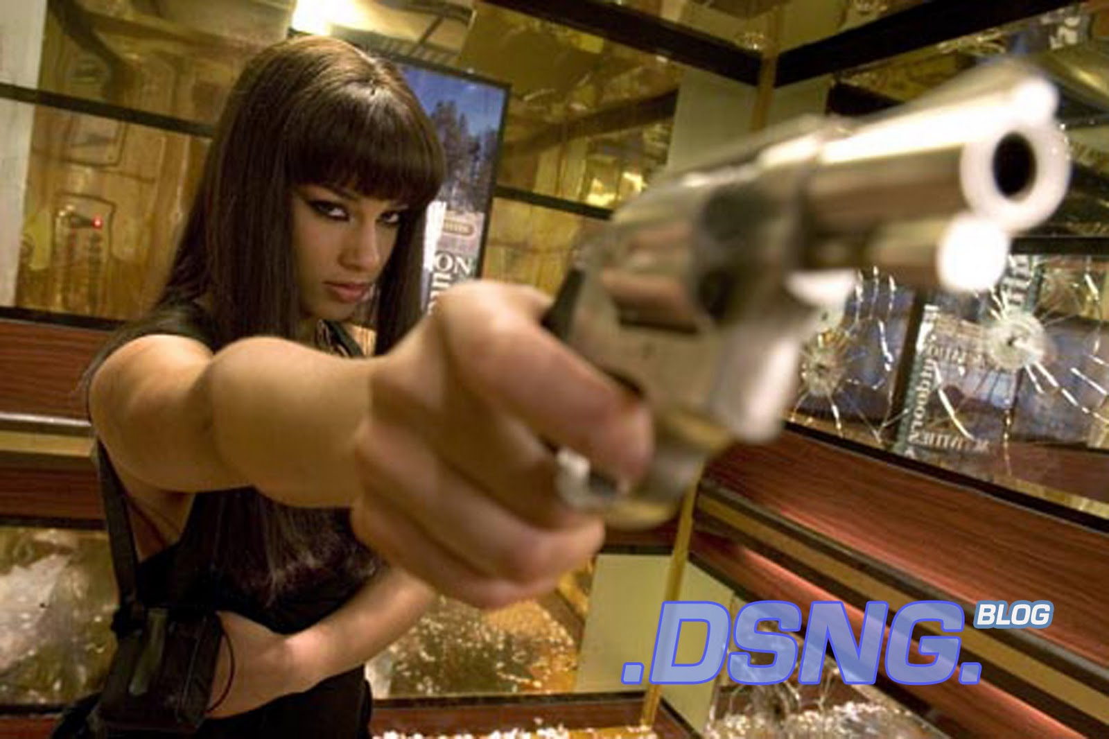 http://2.bp.blogspot.com/-EMRk6rmM__E/TnkGXZ2IhUI/AAAAAAAABUw/SFKZLl1D6SM/s1600/ALICIA+KEYS+SEXY+PAWG+THICK+SHOT+SHOOTS+SMOKIN+ACES+ACTION+SCENE+HANDUN+REVOLVER+GUN+1.jpg