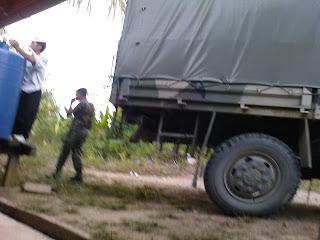 Askar Malaysia hantar air tangki di musim kemarau