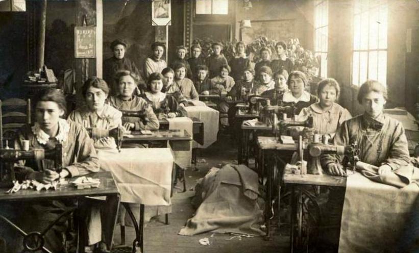 jrf bonneterie valton troyes atelier de confection en 1917. Black Bedroom Furniture Sets. Home Design Ideas