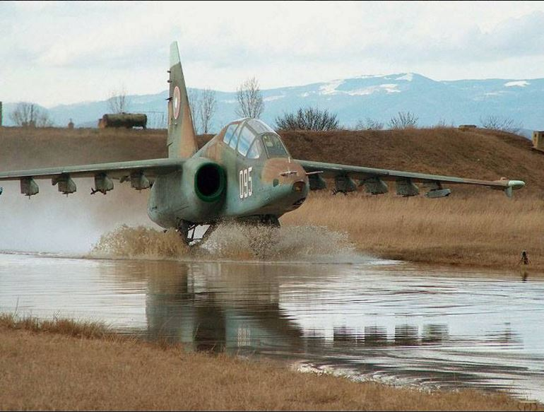 Sukhoi su-25 Gralha 9