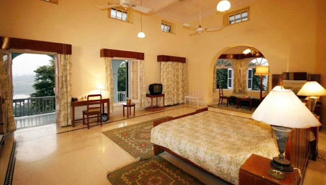 Luxurious bedroom of Brij Raj Bhawan