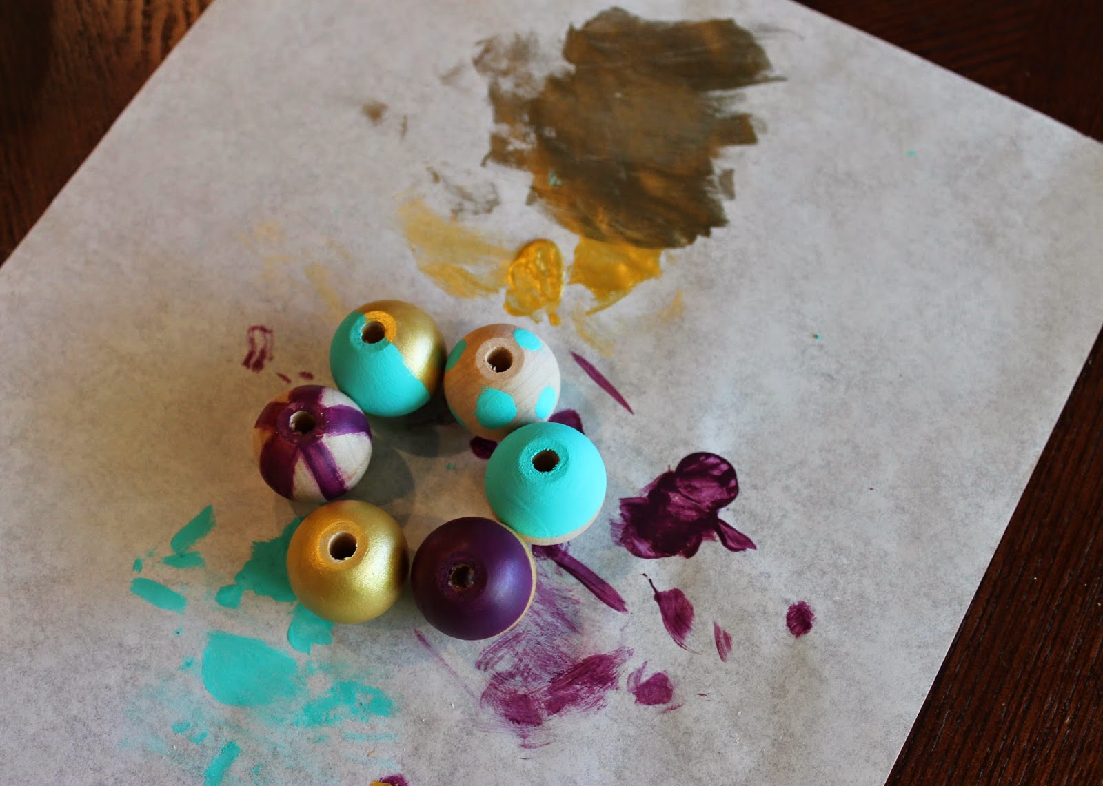 Tiffzippy DIY Wooden Bead Necklace