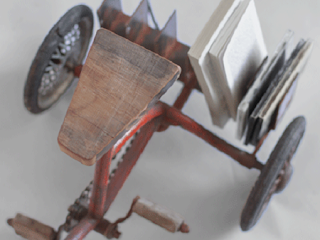 Triciclo Convertido en Lampara y Revistero, Ideas de Reciclaje