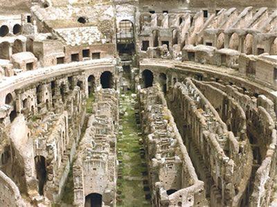 Roma Coliseo interior viajes y turismo