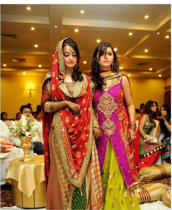 Hairstyles for brides sister dress