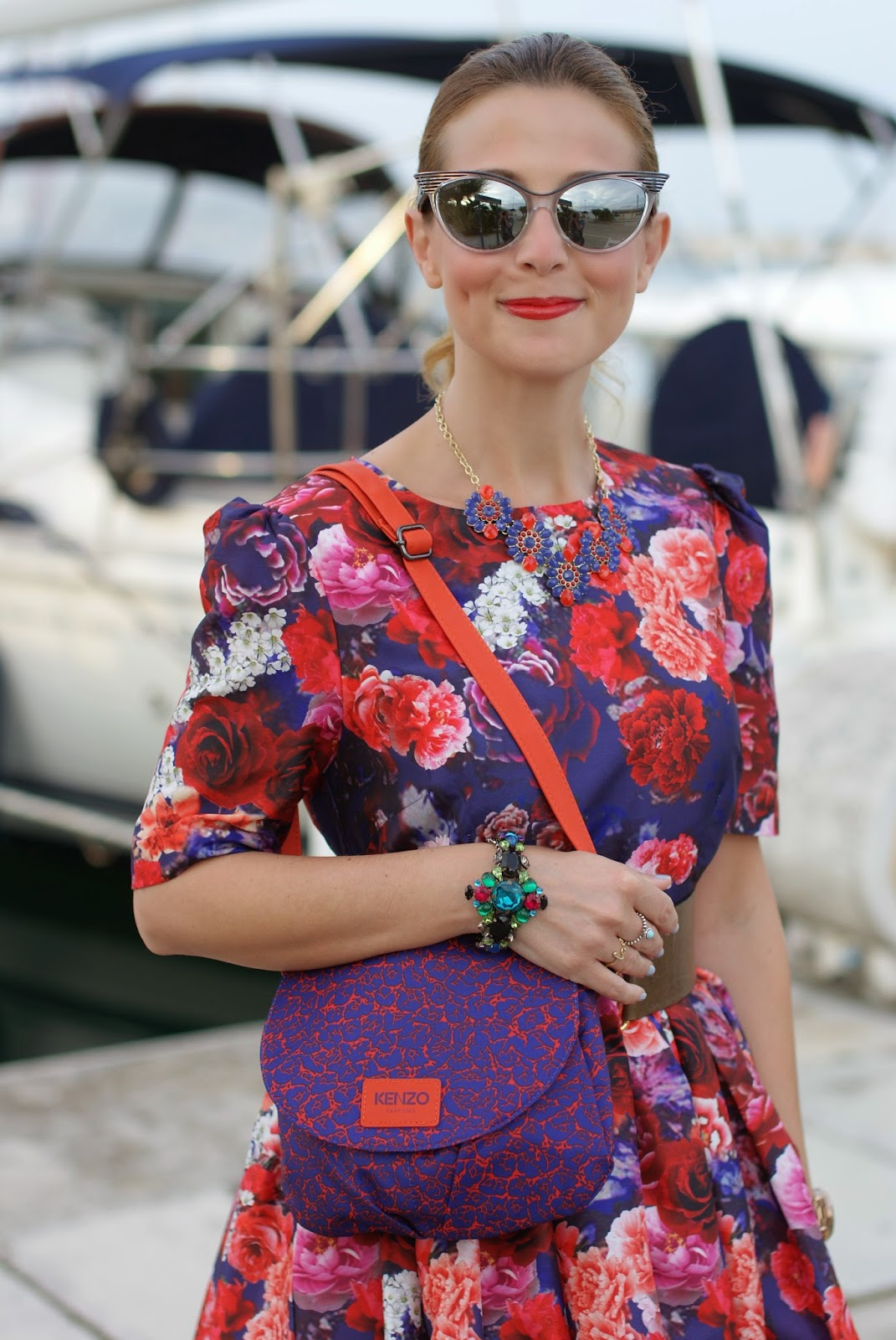 50s red roses dress, Kenzo bag, cat eye mirror sunglasses, Mercantia bracelet, Fashion and Cookies, fashion blogger