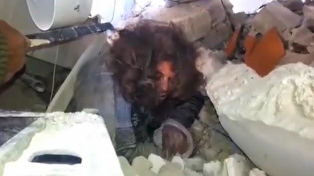 la-proxima-guerra-combatientes-kurdos-rescatan-lider-estado-islamico-kobani-video-pelos-largos