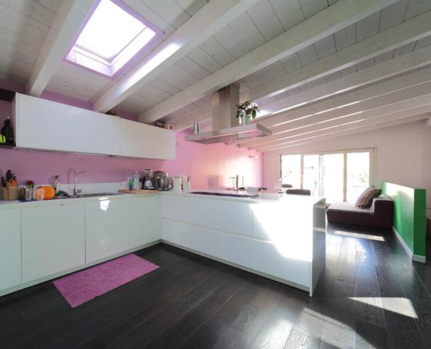 Interior relooking: più luce con la mansarda