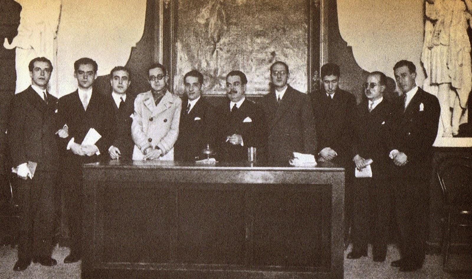 Lorca con escritores y poetas en el Ateneo de Sevilla en 1927