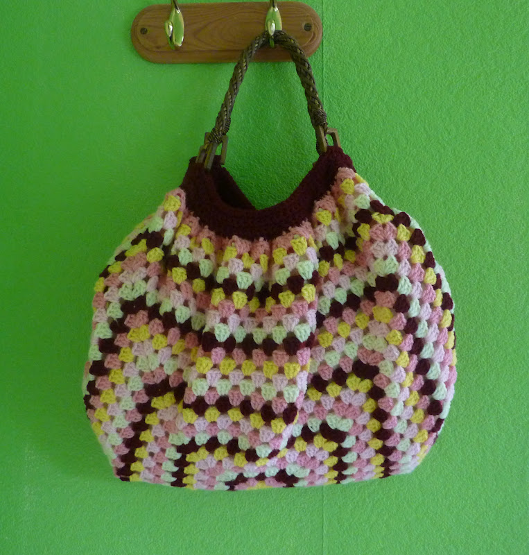 Granny Square Purse Pattern Free : Granny+Square+Bag+Free+Pattern Yellow, Pink and Sparkly: Granny Square ...