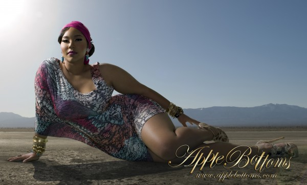 Lisa Raye Feet Photos http://trappedinaskinnyworld.blogspot.com/2011/02/lisa-raye-daughter-plus-size-model-kai.html#!