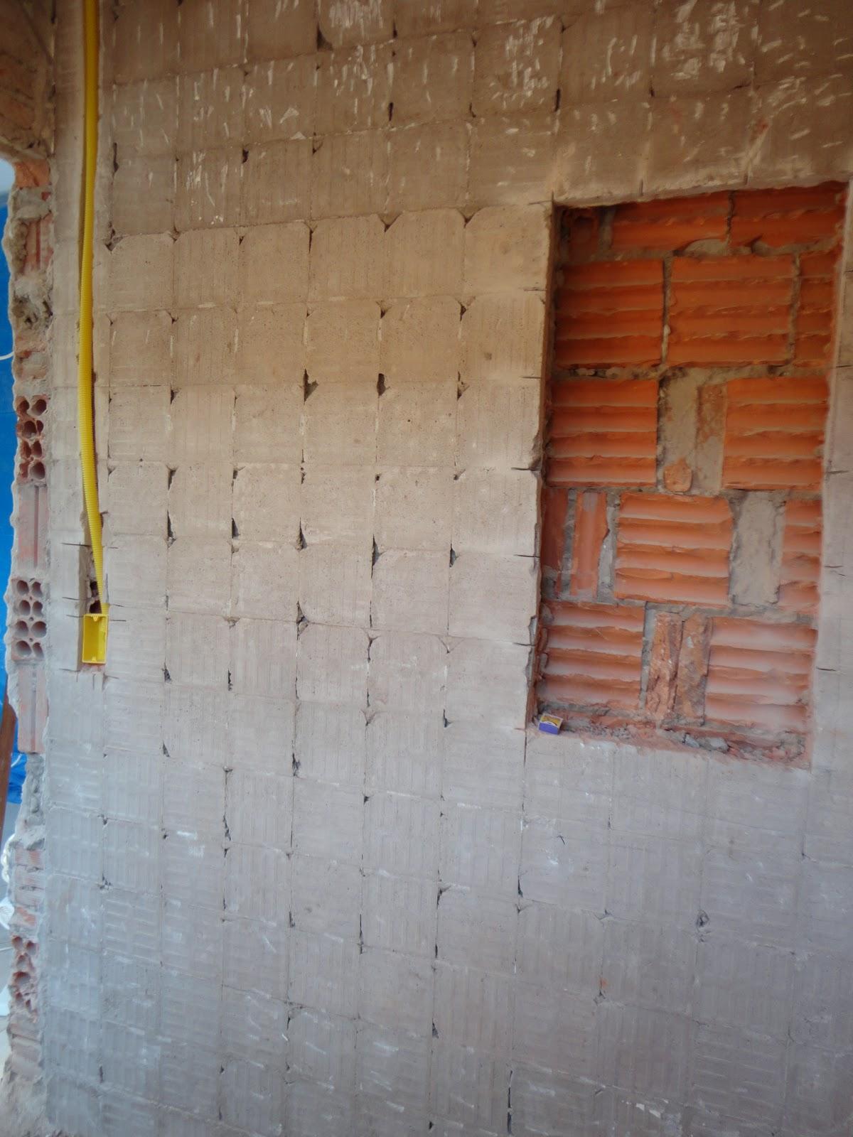 reforma de nossa casa: Quebra quebra no banheiro da suite #186FB3 1200 1600