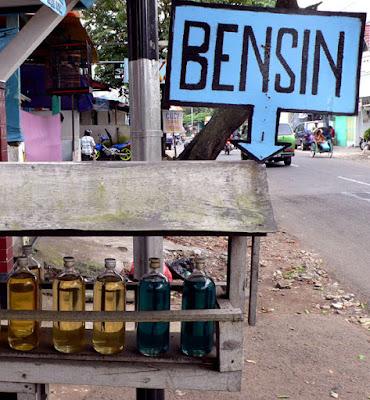 Satpol PP Tarakan Amankan 375 Liter Bensin - Ardiz Borneo